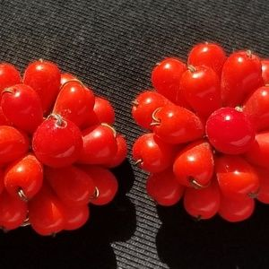 Vintage red wired beaded cluster clip on earrings